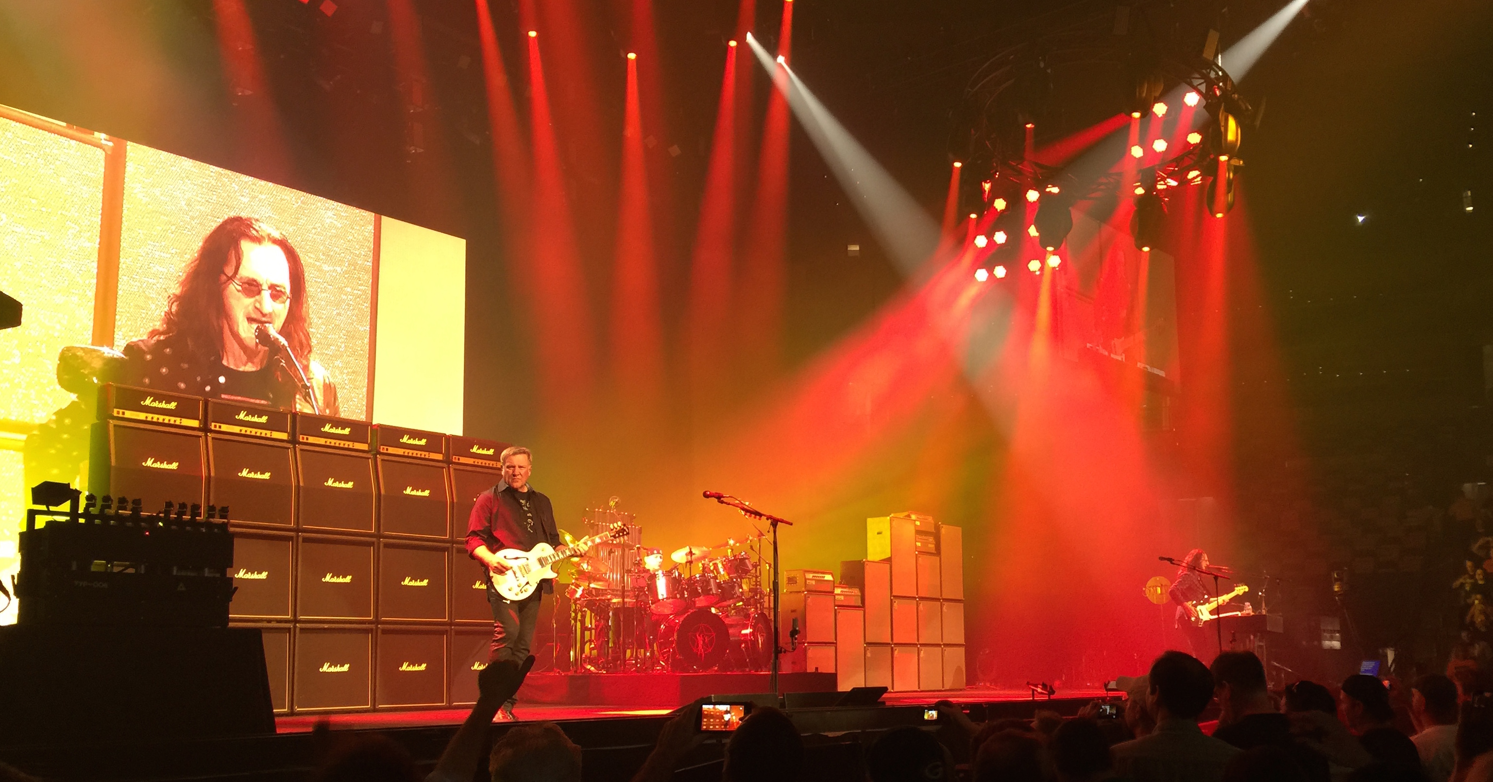 A humble review of Rush R40 in Boston on Tue Jun 23, 2015.
